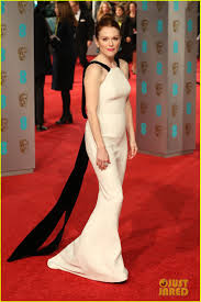 julianne moore u0026 kate winslet step out for baftas 2016 photo