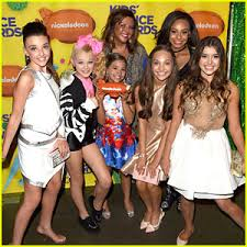 nia dance moms girls 2015 maddie ziegler dance moms cast win at the kids choice awards