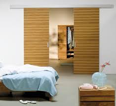 Schlafzimmer Komplett Zu Verschenken M Chen Das Inova Schiebetür System Fino Mit Mit Holzdekor Hier Finden