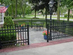 Patio Fences Ideas by Fence On Concrete Patio Decorate Ideas Fantastical In Fence On