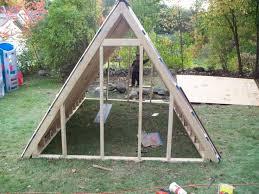 chicken coop plans triangle 10 urbanmama a frame chicken coop