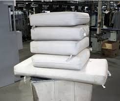Cleaning Patio Furniture by Clean And Protect Your Patio Furniture Cushions For The Winter