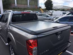nissan navara australia forum nissan navara fitted with a mountain top chequer plate tonneau
