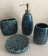 cynthia rowley 4 pc ceramic bathroom accessory set paisley floral
