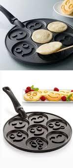 accessoire cuisine rigolo smiley pancake pan poêle à pancakes smileys coloured