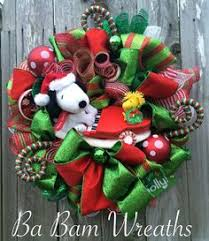 Snoopy Christmas Decor by Snoopy Christmas Wreath Charlie Brown Christmas By Babamwreaths