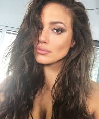 hairstyles for selfies ashley graham on the secret to a good selfie instyle com
