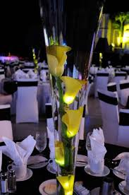 Lamp Centerpieces For Weddings by Best 25 Calla Lily Centerpieces Ideas Only On Pinterest Calla