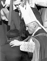 jacqueline kennedy boston cardinal richard cushing consoles jacqueline kennedy after
