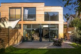 auvent en bois pour terrasse maison en bois sur pilotis latest duune maison bois de m sur