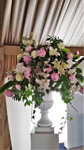 composition florale mariage fleuriste pour hôtel ou magasin de luxe saint tropez 83990