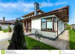 Haus Mit Garten Kaufen Modernes Haus Mit Garten Interesting Viele Von Den Heutzutage