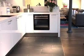 carrelage imitation parquet cuisine revetement sol cuisine best quelles couleurs avec une cuisine