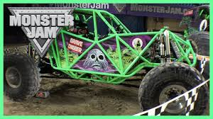 monster truck grave digger video monster jam 2016 featuring wheels monster trucks grave digger