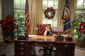Oval Office Desk by Stewmama Says It U0027s Presidential