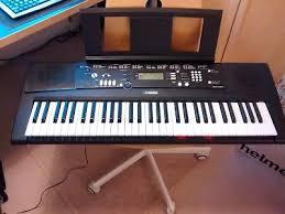 yamaha keyboard lighted keys yamaha ez 220 electronic keyboard with 61 keys electronic display