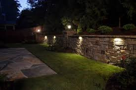 Paver Retaining Wall With Cap The Lighting Is Really Nice Under