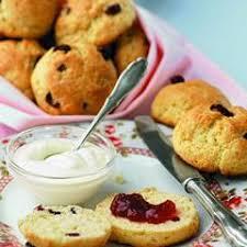 britische küche cranberry scones mit creme rezept daskochrezept de