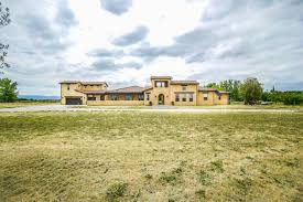 exquisite tuscan style home nestled on 9 acre lot brentwood