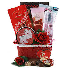 valentines baskets s day gift baskets s gifts for him diygb