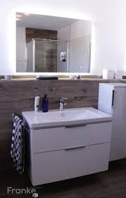 spiegel ablage bad die besten 25 badezimmer ablage ideen auf pinterest ablage