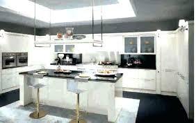 cuisine moderne noir et blanc daccoration de cuisine carrelage cuisine noir brillant cuisine