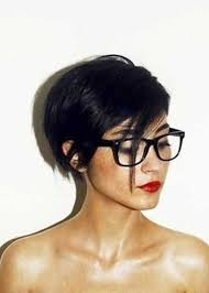 coupe femme cheveux courts cheveux court visage rond recherche coupe de cheveux