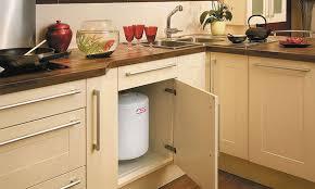 chauffe eau cuisine les chauffe eau capacité et instantané elyotherm