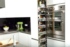 amenagement interieur meuble de cuisine amenagement meuble de cuisine rangement coulissant epices et