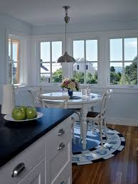 Round Rugs For Under Kitchen Table by Rug Under Kitchen Table Houzz