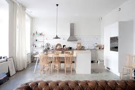 cuisine avec ilot table cuisine avec ilot central 15 idées de coin repas femme actuelle