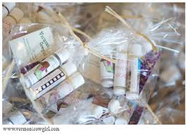 simple wedding favors 20 great wedding favors for destination weddings everafterguide