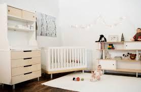 meubles chambre bébé design interieur decoration chambre bebe guirlande lumineuse