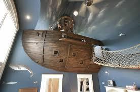 deco plafond chambre chambre enfant idee decoration chambre enfant mur plafond