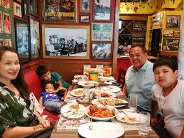 Buca Di Beppo Pope Table by Buca Di Beppo Family Celebrations In Manila Our Awesome Planet