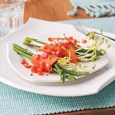 cuisiner le saumon fumé saumon fumé asperges et tomates entrées et soupes recettes 5 15