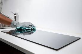 come pulire il piano cottura come pulire il piano cottura a induzione nanopress donna