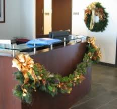 etiquette decorating the office for the holidays interior