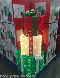 pre lit christmas gift boxes set of 3 indoor outdoor pre lit 175 led christmas gift boxes