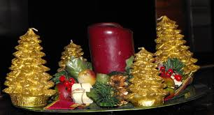 Gold Christmas Centerpieces - decorations gold accent coffee table christmas centerpiece come