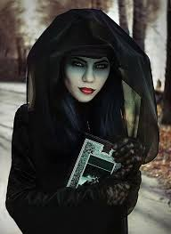 10 Scariest Halloween Costumes 25 Witch Costumes Ideas Diy Witch Costume
