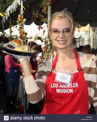 eileen davidson at the los angeles mission s thanksgiving for