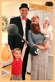 Family Halloween Costume With Baby by Best 25 Circus Family Costume Ideas On Pinterest Circus Costume