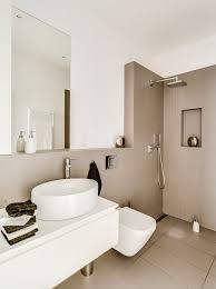 badezimmer auf kleinem raum cappuccino fliesen und weiße farbe im kleinen bad bad beige