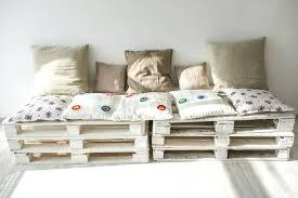canapé en palette avec dossier fabriquer canape angle banquette en palette de bois sans dossier