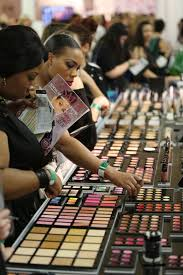 professional makeup artist nyc building a professional makeup kit can be overwhelming and pricy