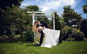 Wedding Venues In Upstate Ny Upstate New York Elopements Lake Erie Wine Country Elopements