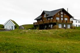 file icelandic farmhouse jpg wikimedia commons