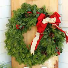 christmas reefs how to make a traditional christmas wreath fynes designs fynes
