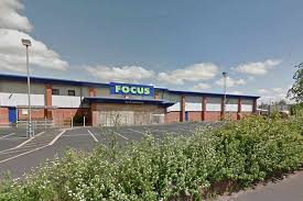 siege aldi aldi bids to open supermarket on former focus diy site in